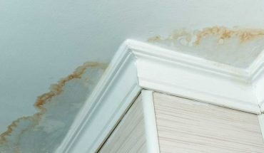 5 signs your roof is damaged